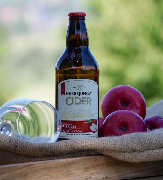 HERRLJUNGA Cider APPLE CIDER Glasflasche Kiste 24 x 500 ml / 4.5 % Schweden
