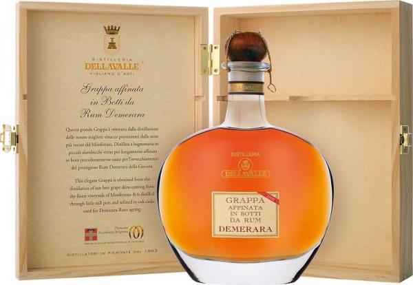 DELAVALLE Grappa Affinata in Botti da Demerara Rum mit Holzkiste 70 cl / 42 % Italien